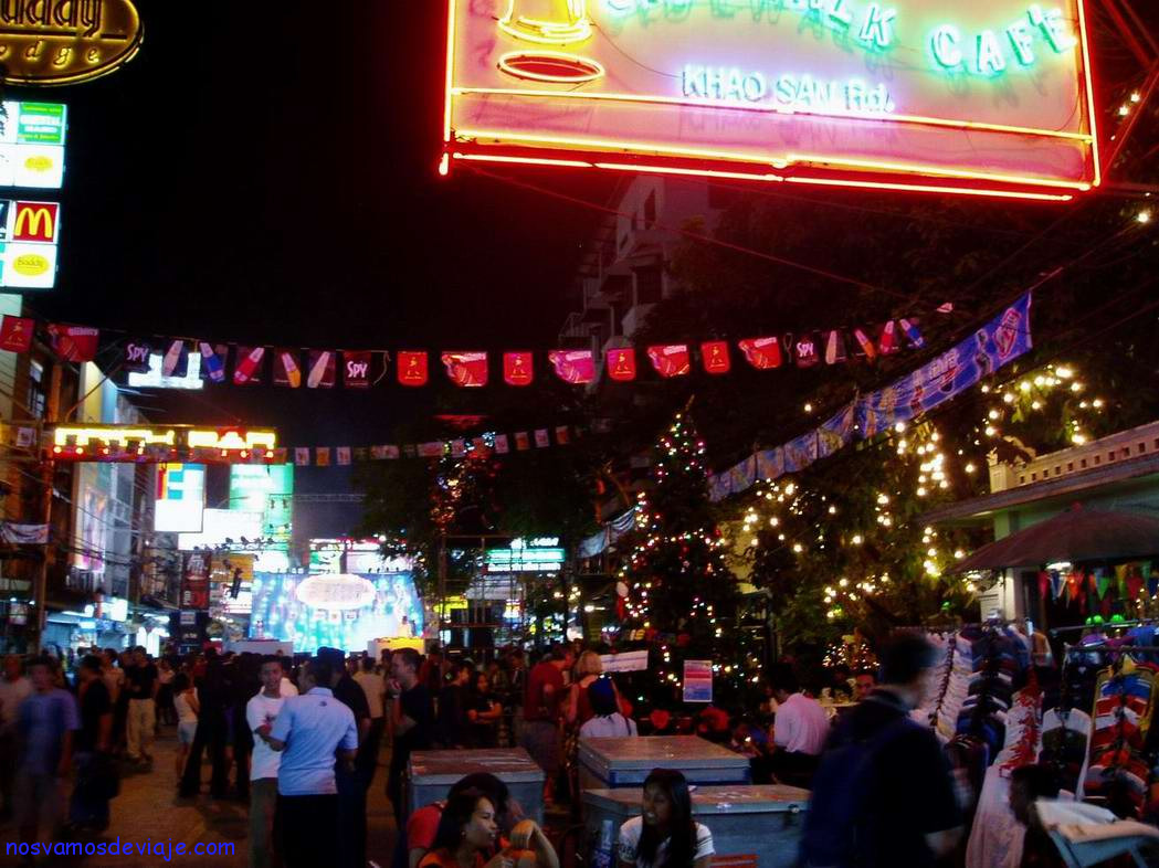 Khao San vive de noche