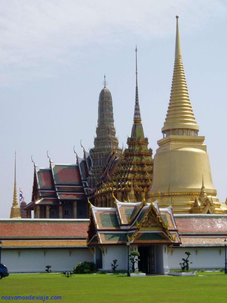 Estupas del templo real