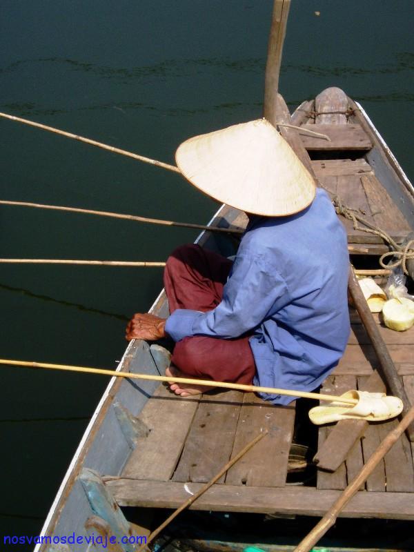 Pescando en Hoi An
