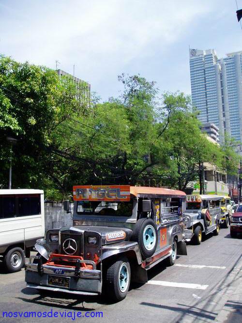 Jeepnys dueños del trafico Manila
