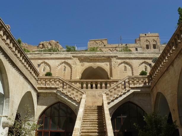 Antiguo caravasar, hoy Correos de Mardin