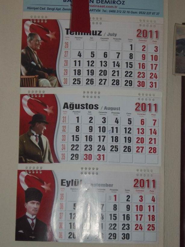 Calendario 2011 con fotos de Atatuurk