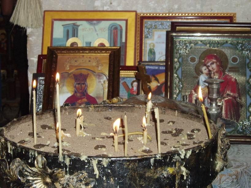 Fervor religioso en iglesias y montasterios