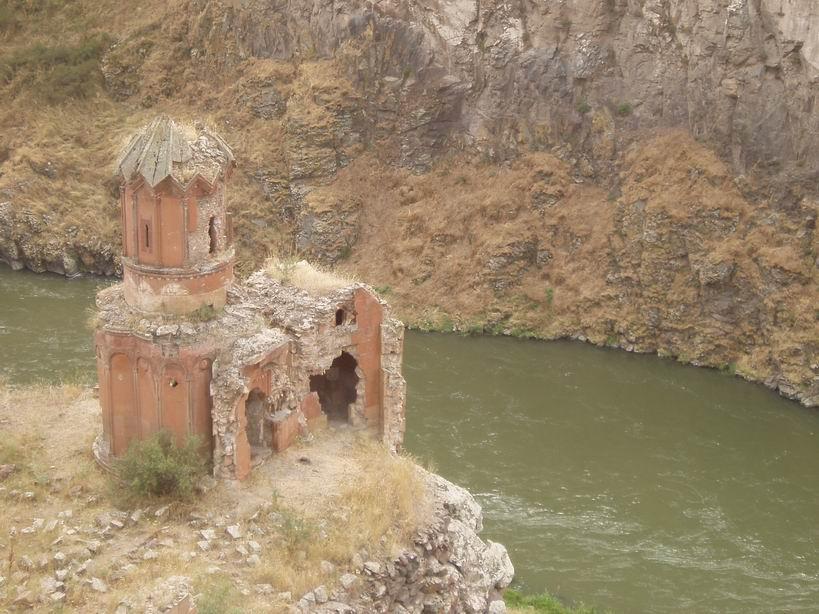 Monasterio de las Virgenes en Ani