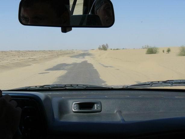 Atravesando el desierto Kyzylkum