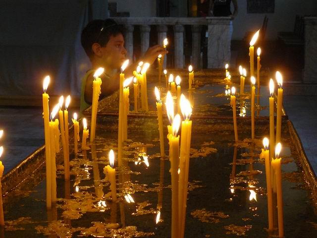 Devoción en Echmiadzin, el Vaticano armenio
