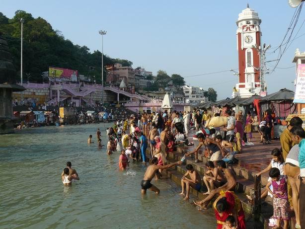 Purificandose en el Ganges, Haridwar