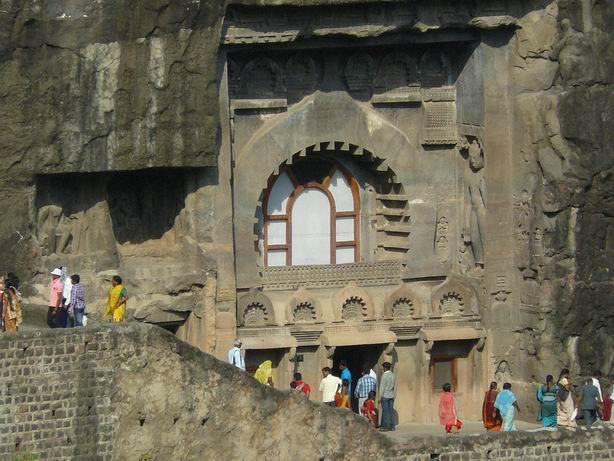Exterior de cuevas de Ajanta