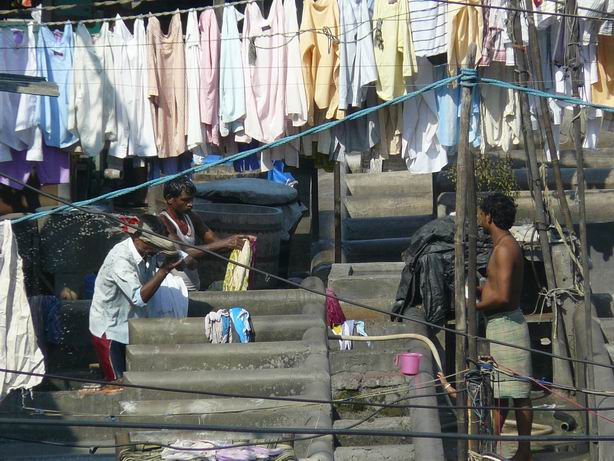 Lavando la ropa en Mumbai