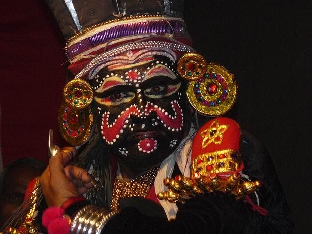 Nakrathundi, personaje de una pieza de Kathakali