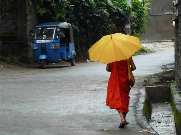 Monje en Kandy
