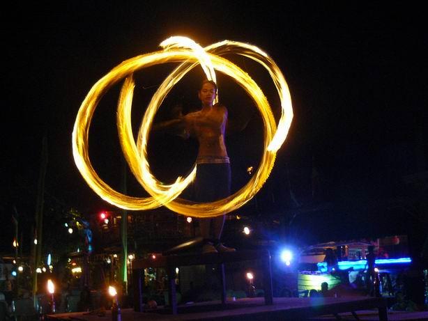 fiesta de la media luna en koh Phi Phi
