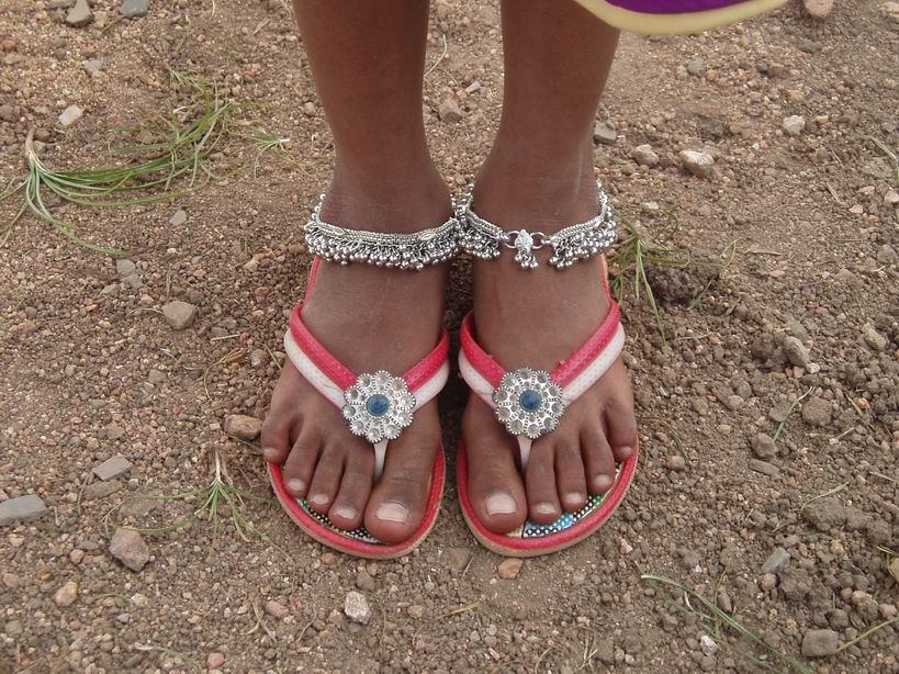 En India, con anklets