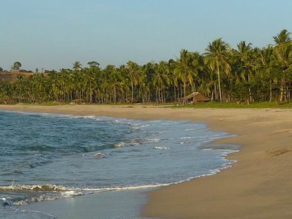 Playas desiertas al norte de Chaung Tha