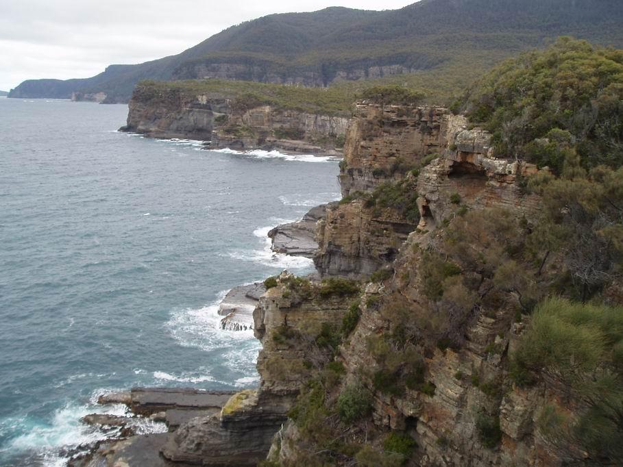 Acantilado en la península de Tasmania