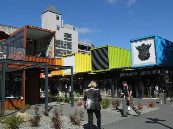 Centro comercial con contenedores en Christchurch