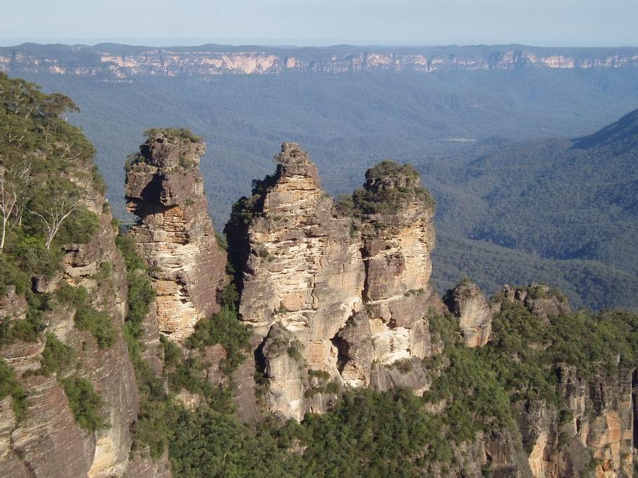"""""""Las Tres Hermanas"""" en las Montañas Azules"""