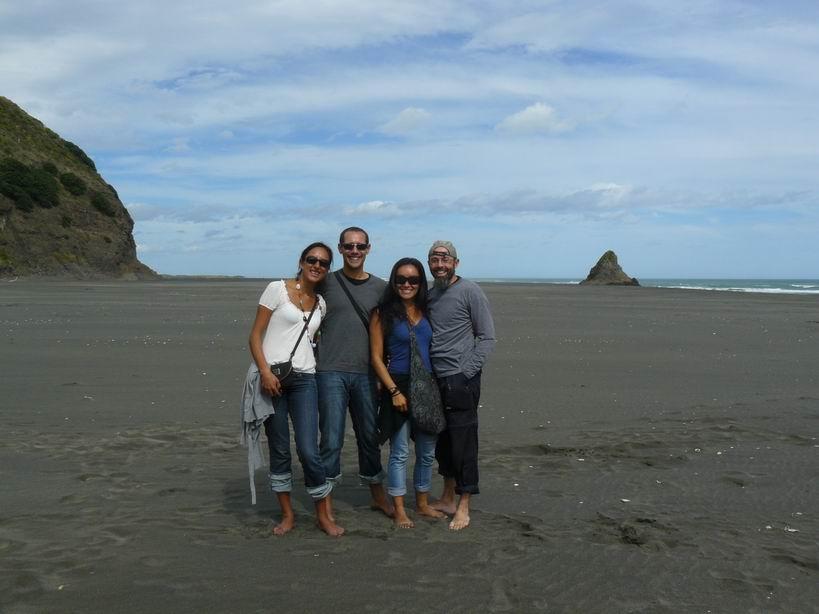 Playa Karekare con Caro y Herve