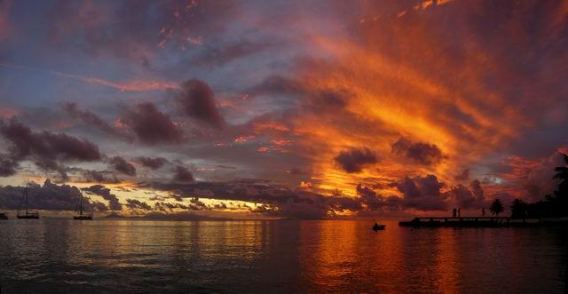 puesta sol Huahine