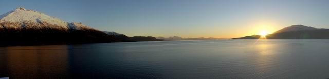 Amaneciendo en los canales de Patagonia