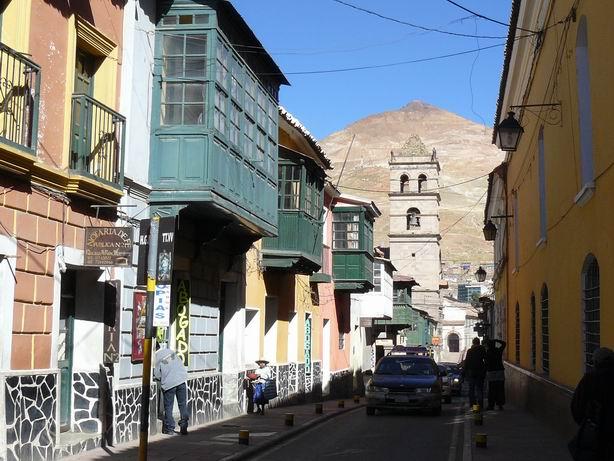 Calle de Potosí con el cerro