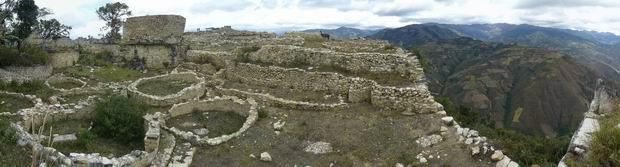 Kuelap y vista del valle