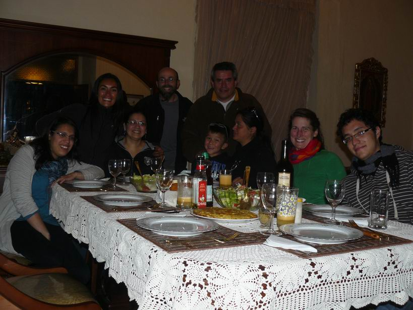 Cenando con la familia Lopez , Liliana y Luisito