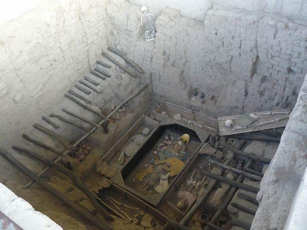 Recreación de la tumba del señor de Sipan