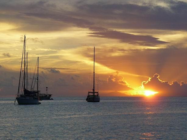 Atardecer en Polinesia Francesa