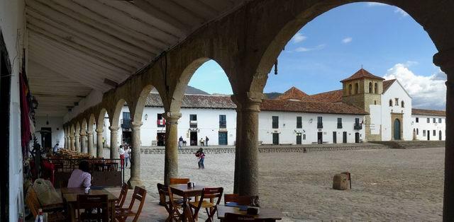 Porches en la plaza de villa de Leyva
