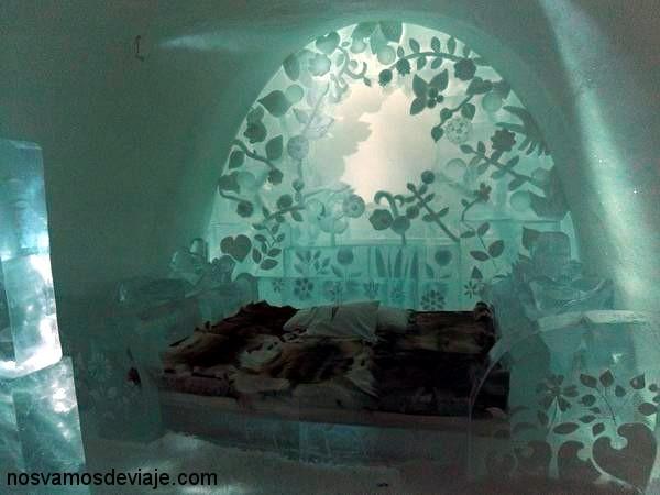 Habitación con tema de flores del hotel de hielo