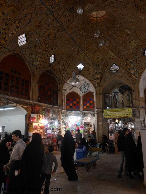 Interior del bazar en Tehran