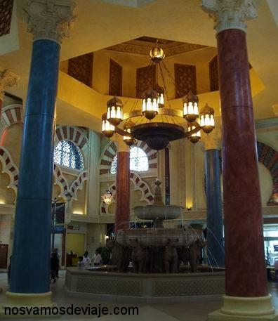 Réplica de la fuente de los leones en Ibn Battuta Mall