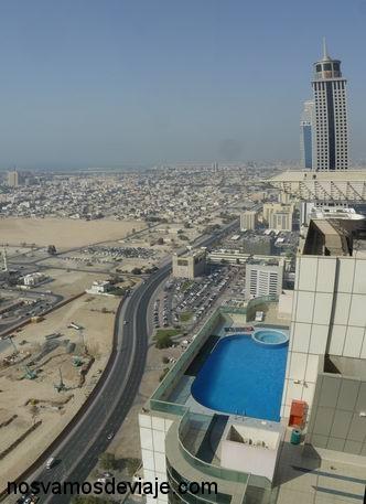 Si vives en rascacielos también necesitas piscina