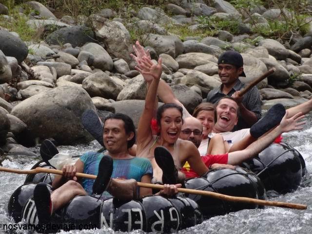 Rafting por el río Bahorok, con MIchelle y Martin