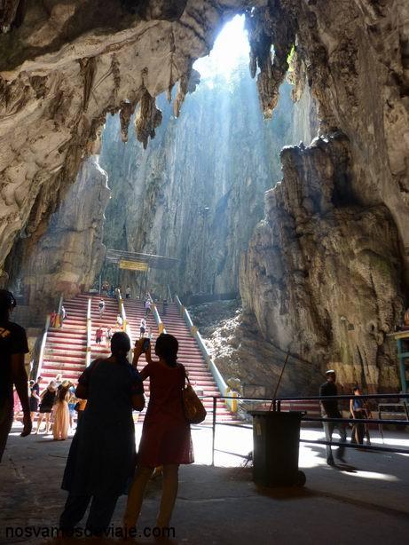 Interior de Batu Cave