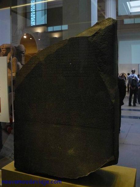 Piedra roseta - diccionario a los jeroglificos