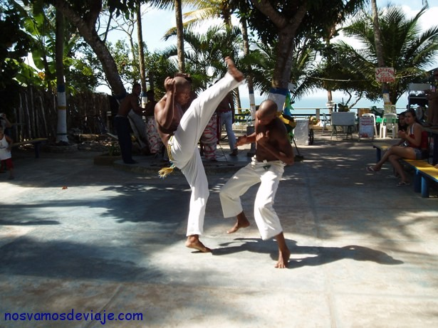practicando capoeira