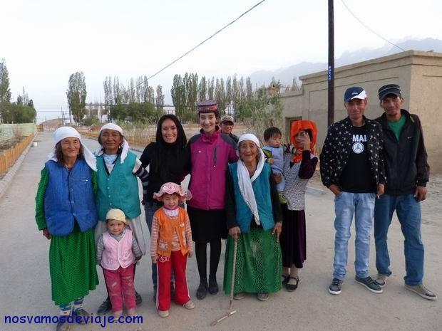 Locales de etnia tajik deTashkurgan