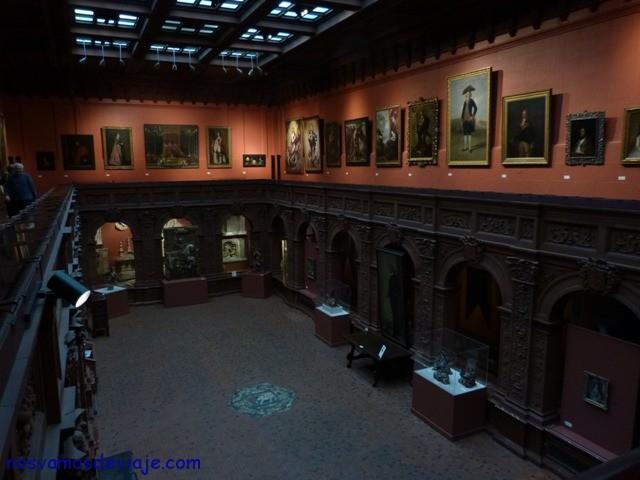 Sala de lectura sociedad hispana