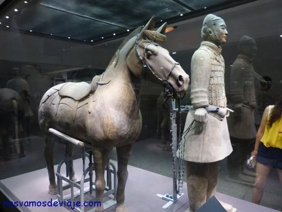guerrero terracota y caballo