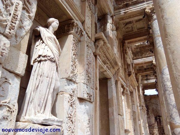 Esculturas biblioteca Efeso