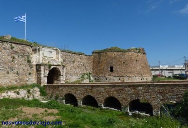 Puerta de entrada del castillo veneciano Chios