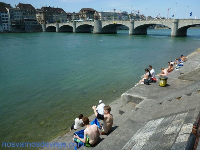 playa de piedra en el Rin
