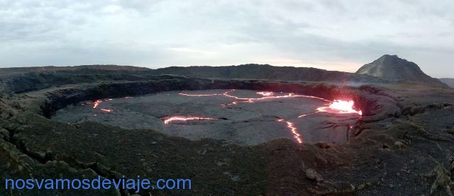 Panorama del lago de lava Erta Ale