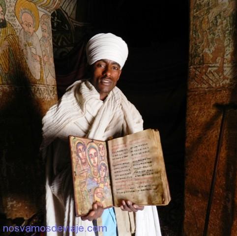 biblia milenaria de Abuna Yemata