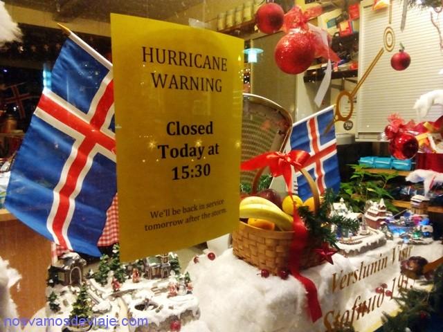 cerrado-por-huracan