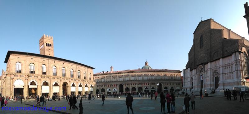 Plaza mayor y fachada de San Petronio