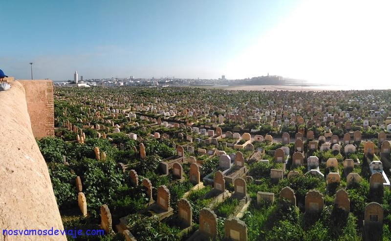Muralla de Sale con cementerio