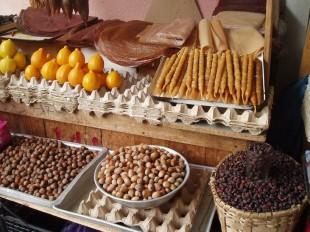 Frutos secos y láminas de frutas secas